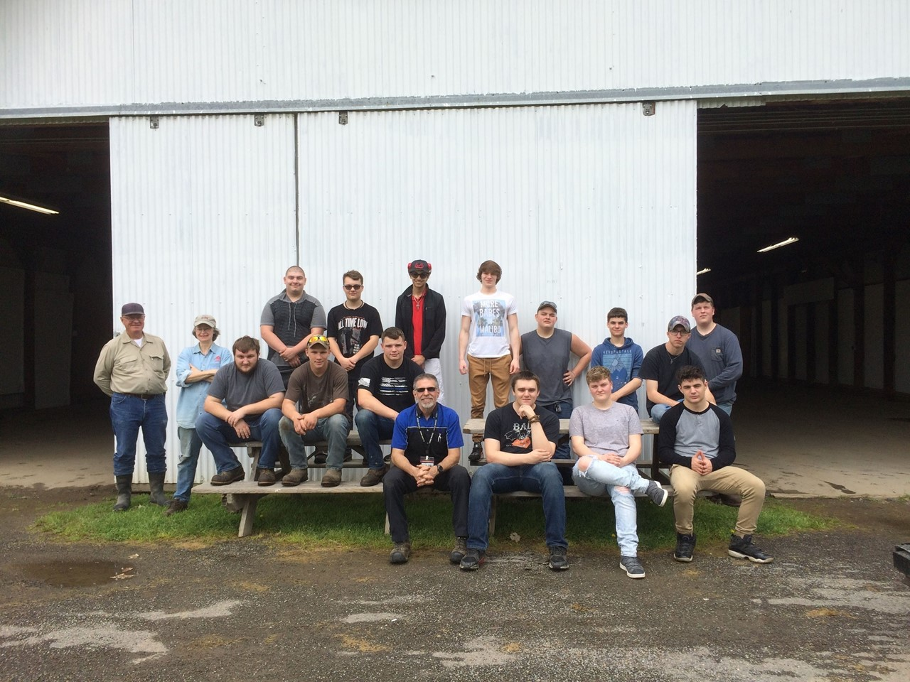 group photo of auto technology students